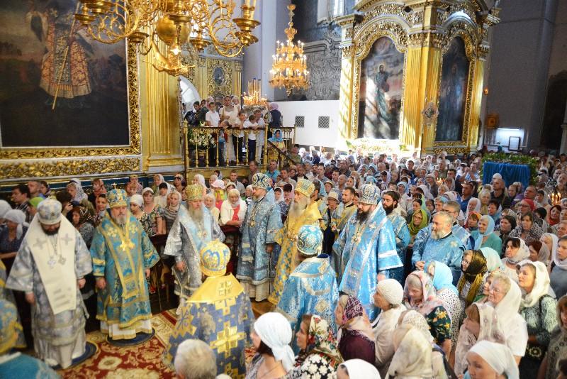 В Смоленске прошли торжества в честь Смоленской иконы Божией Матери «Одигитрии»