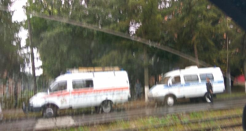 В Смоленске спецслужбы оцепили школу