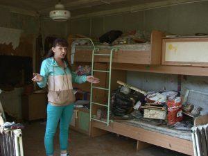 В Смоленске погрузчик проломил стену жилого дома