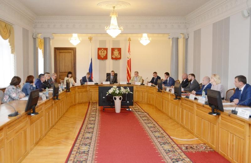 В администрации Смоленской области обсудили проблемы обманутых дольщиков