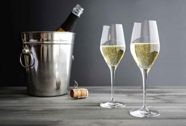 В России могут подорожать коньяк и шампанское