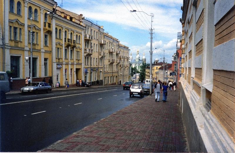 В Смоленске ограничили движение по центральной улице