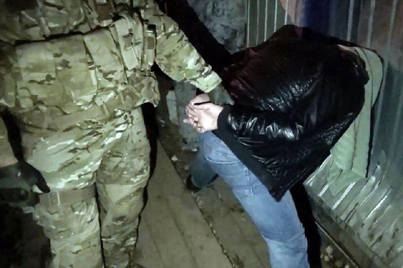 В Смоленской области задержали члена ИГИЛ*, планировавшего убить одного из лидеров ДНР
