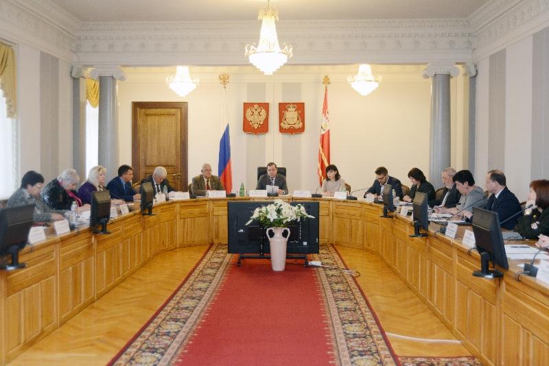 В Смоленске прошло заседание областной трехсторонней комиссии по регулированию социально-трудовых отношений