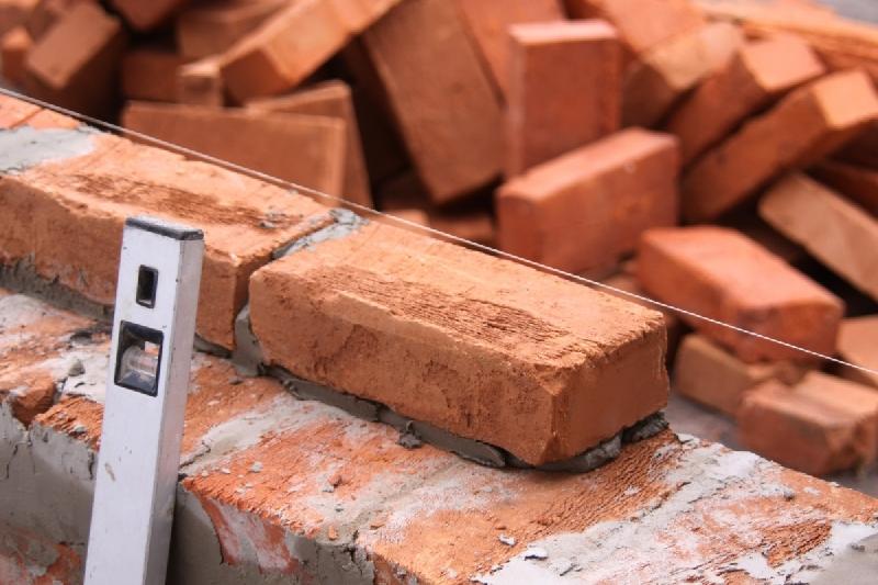 Смолянин заработал более 11 млн. рублей, продавая квартиры в несуществующем доме