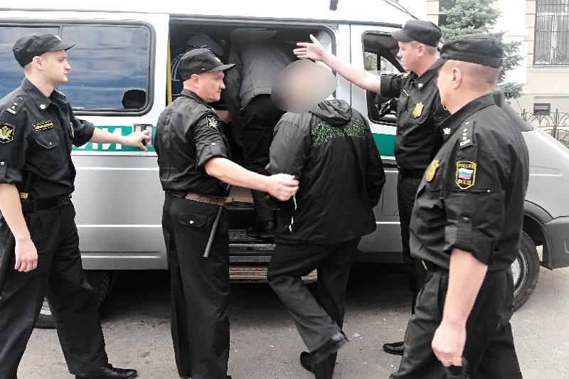 Из Смоленской области выслали 108 нелегалов