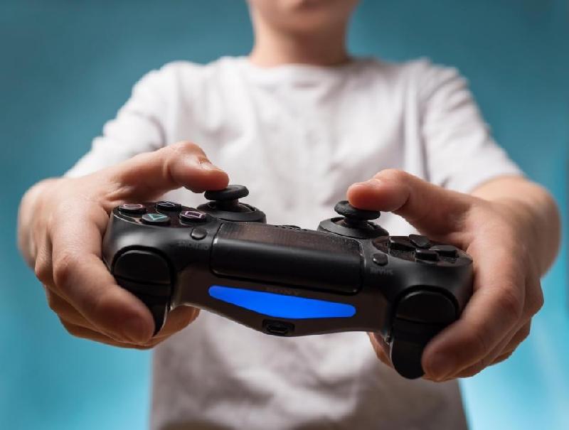 В Смоленске молодой аферист обманул 11 геймеров