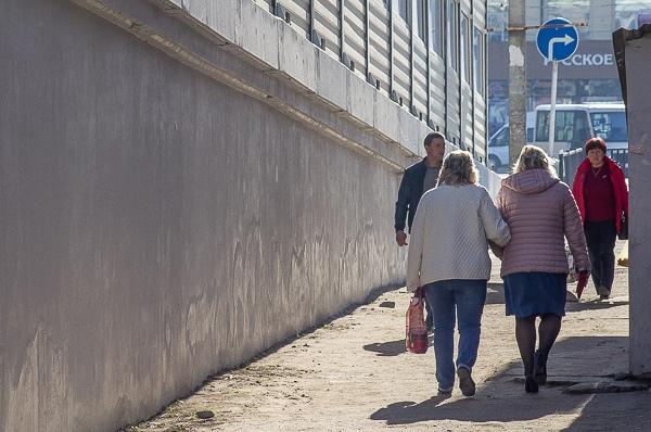 В Смоленске придумали, как обустроить пешеходный переход у Беляевского путепровода