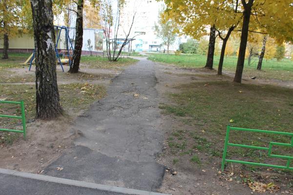 Активисты ОНФ раскритиковали ремонт дворов в Смоленске
