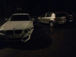 В Смоленске ищут водителя, повредившего четыре авто на парковке