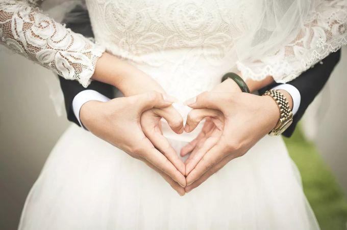 «О смене пола думал давно». Смолянин перед свадьбой решил удивить невесту