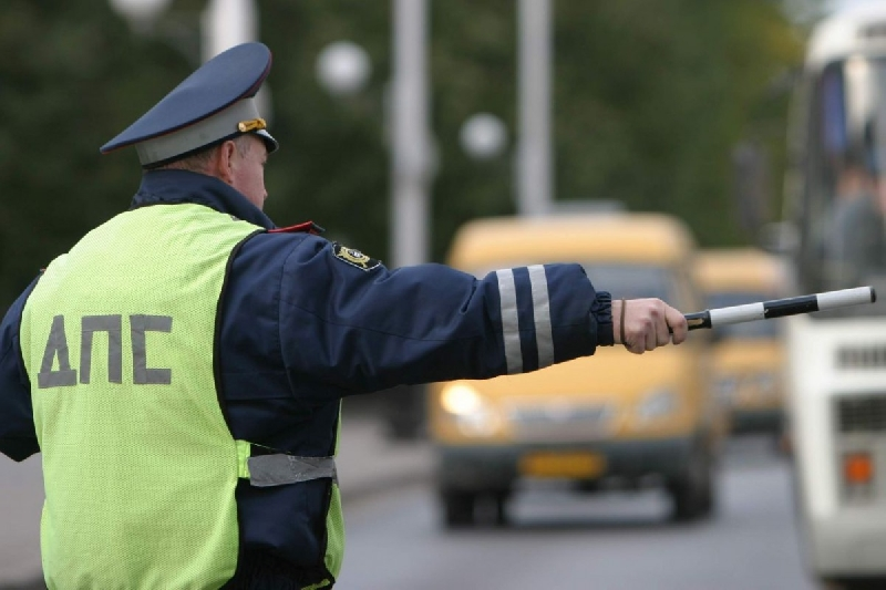 В Смоленске сотрудники ГИБДД усилили контроль за маршрутками