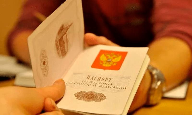 «Легко ли получить гражданство?». Из каких стран в Смоленскую область переезжает больше всего иностранцев