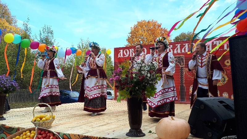 В селе Смоленской области прошла Сергиевская ярмарка