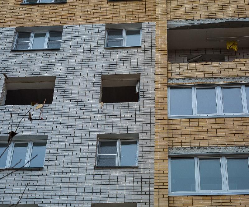 В сети появилось видео из дома в Смоленском районе, в котором произошел взрыв