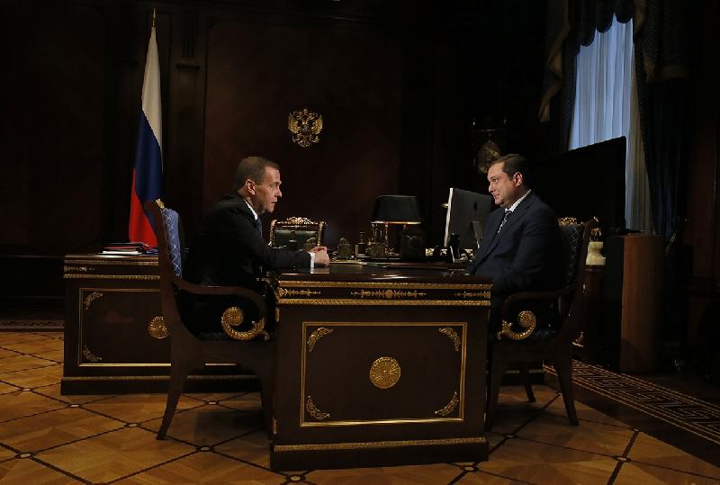 Губернатор Смоленской области обсудил с Дмитрием Медведевым вопросы, требующие решения на федеральном уровне