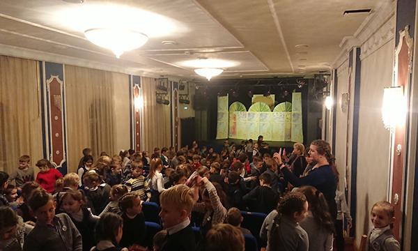 В Смоленске в рамках партпроекта прошли гастроли Орловского театра кукол