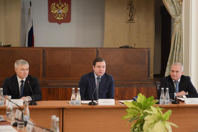 Губернатор Алексей Островский принял участие в семинаре-совещании с арбитражными судами, входящими в Двадцатый апелляционный округ