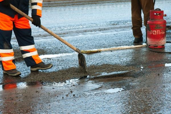 Смоленск не вошел в ТОП-100 городов по качеству ремонта дорог и доступности парковок