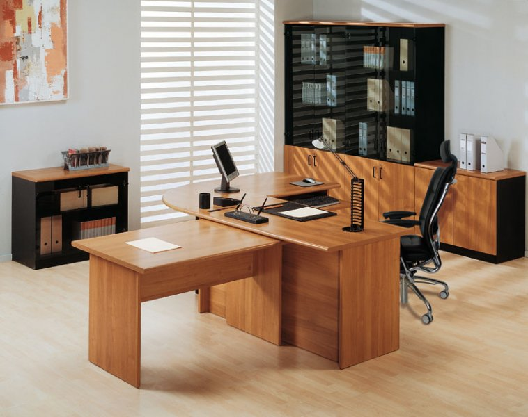 Выбор офисного стола
