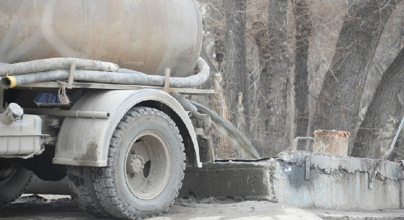 Кто сливает нечистоты в канализацию Смоленска
