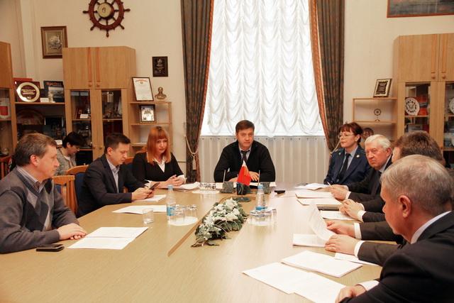 Пять комиссий смоленского горсовета поддержали инициативу губернатора об отставке главы Смоленска