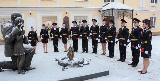 В Смоленске молодые полицейские приняли присягу сотрудника органов внутренних дел