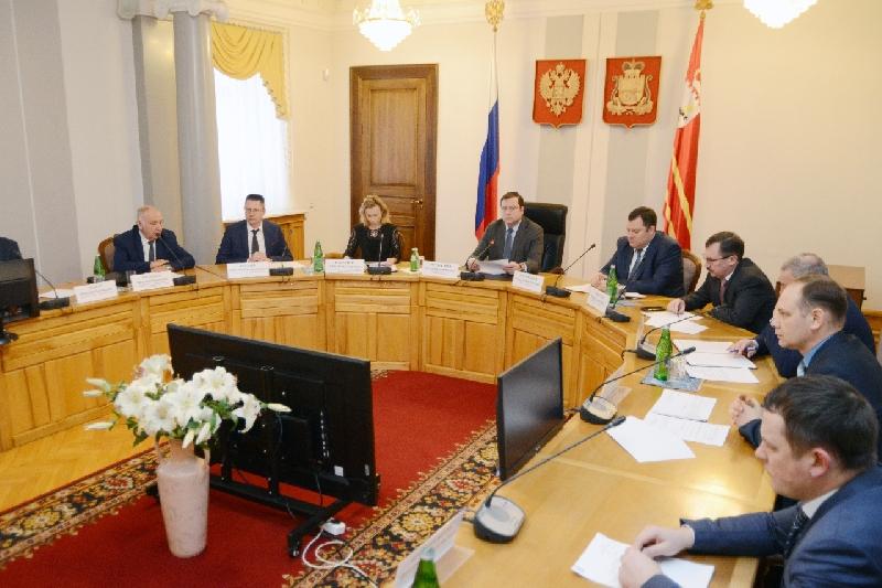 Губернатор Смоленской области провел совещание по противодействию коррупции