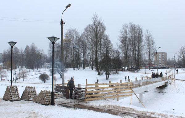 «Успеют или нет?». Что сейчас происходит в парке 1100-летия Смоленска