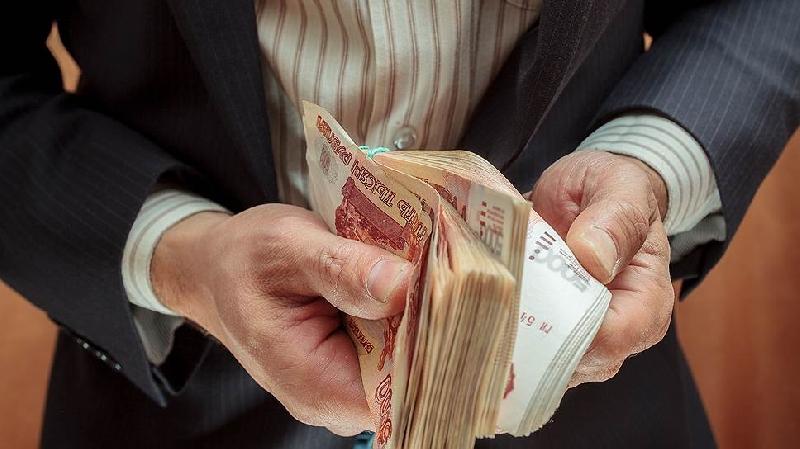 Прокуратура заставила заплатить зарплату работникам транспортного предприятия в Смоленской области