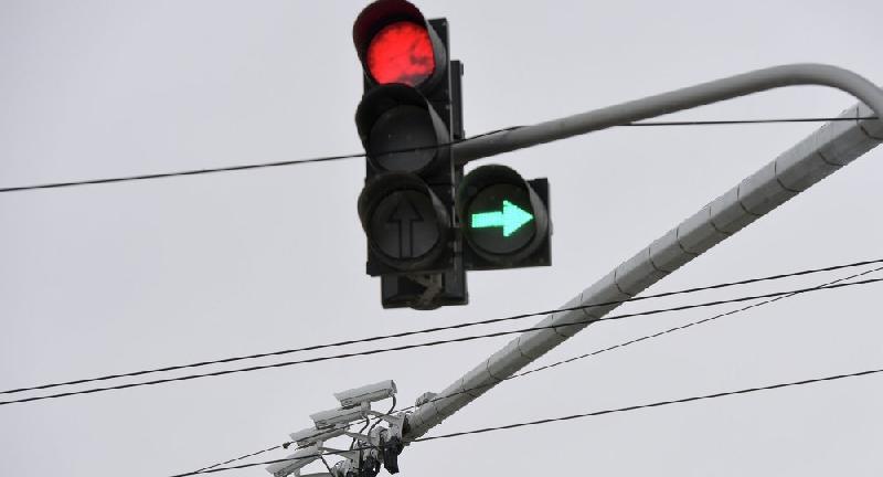 В Смоленске водителей ждут штрафы из-за сломанного светофора