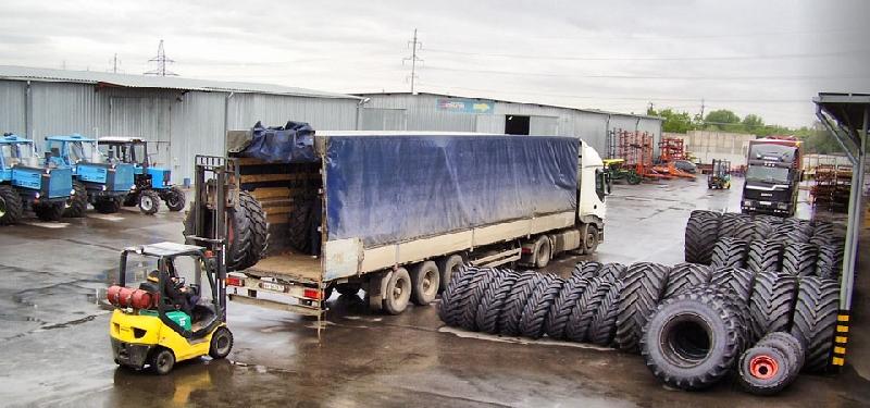«Пытались украсть шины на 3 млн. рублей». Воров-неудачников задержали в Смоленской области