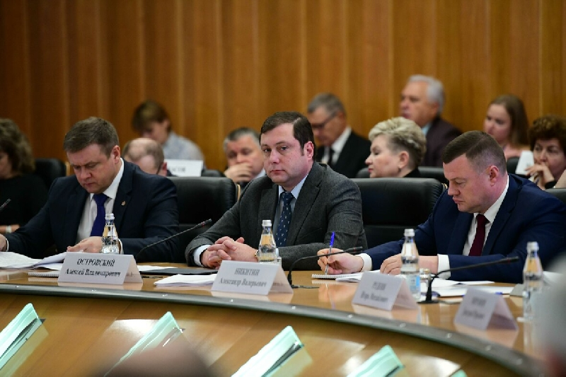 В Центральном федеральном округе обсудили вопросы защиты интересов работников предпенсионного возраста