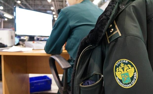 Смоленские таможенники выявили нарушения валютного законодательства на сотни миллионов долларов