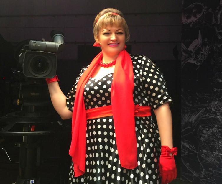 Смоленская тамада сватала своего «жениха» в новогоднем выпуске шоу на Первом канале