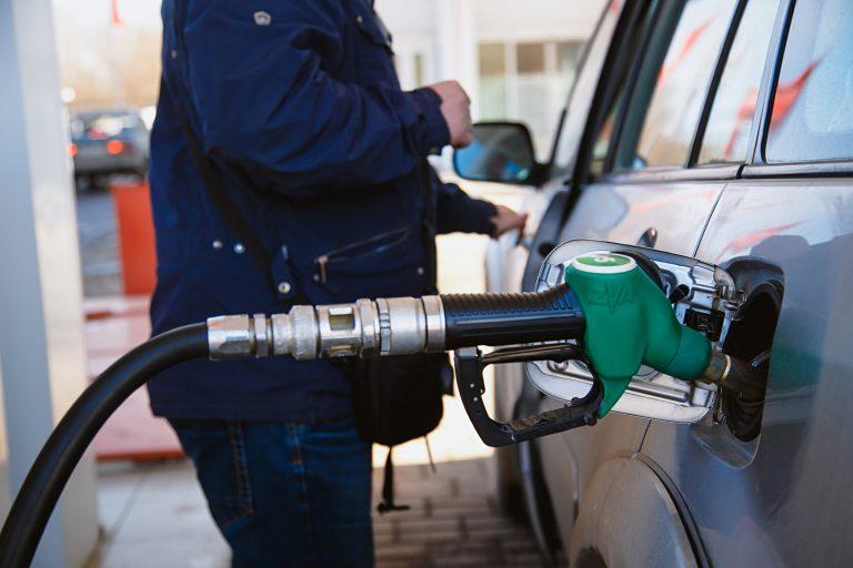 УФАС проверило цены на заправках в Смоленской области