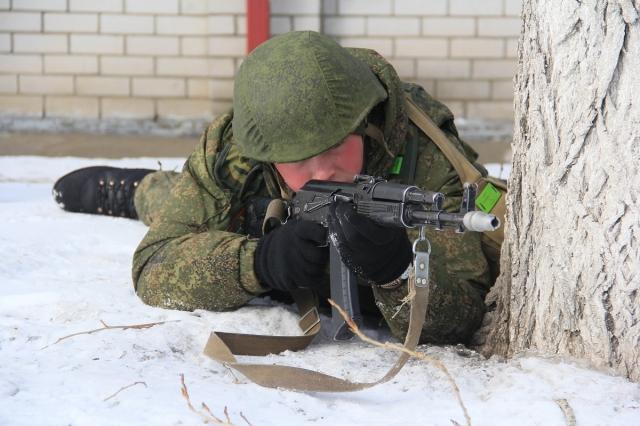 Воинские части в Смоленской области подняты по боевой тревоге