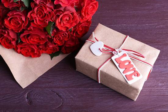 Идеи подарков женщине на 14 февраля
