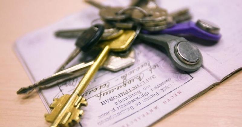 Семейная пара из Смоленской области прописала у себя дома 12 иностранцев