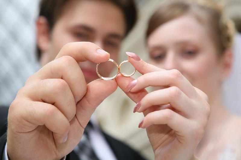 Смоляне стали позже жениться и реже разводиться