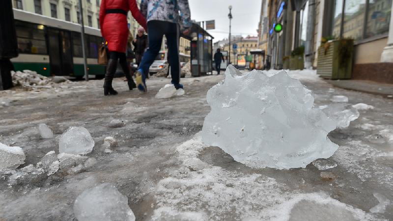 Губернатор выразил возмущение в связи с неудовлетворительной уборкой льда и снега в Смоленске