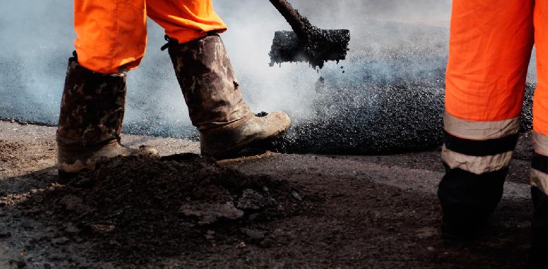 Депутаты от «Единой России» будут контролировать ремонт дорог в Смоленске
