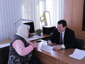 Председатель Смоленской областной Думы провел прием граждан