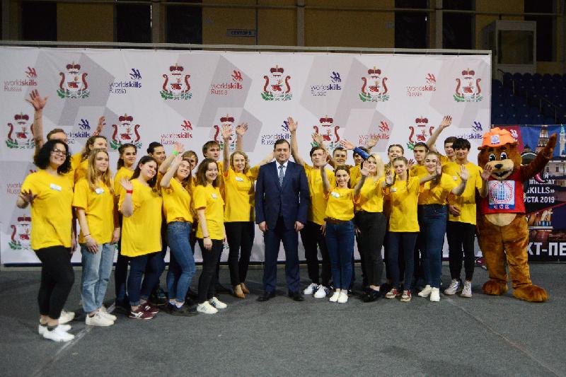 Алексей Островский посетил главную площадку IV Открытого регионального чемпионата «Молодые профессионалы»