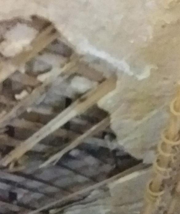 В Смоленской области в квартире рухнул потолок