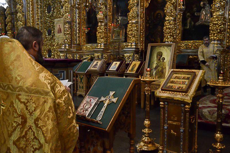 В Смоленске в соборе прошла панихида по погибшим в ДТП под Калугой