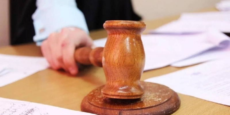 Бывшему сотруднику смоленской таможни грозит срок