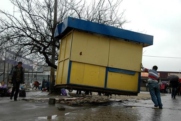 В Смоленске на двух улицах снесут ларьки