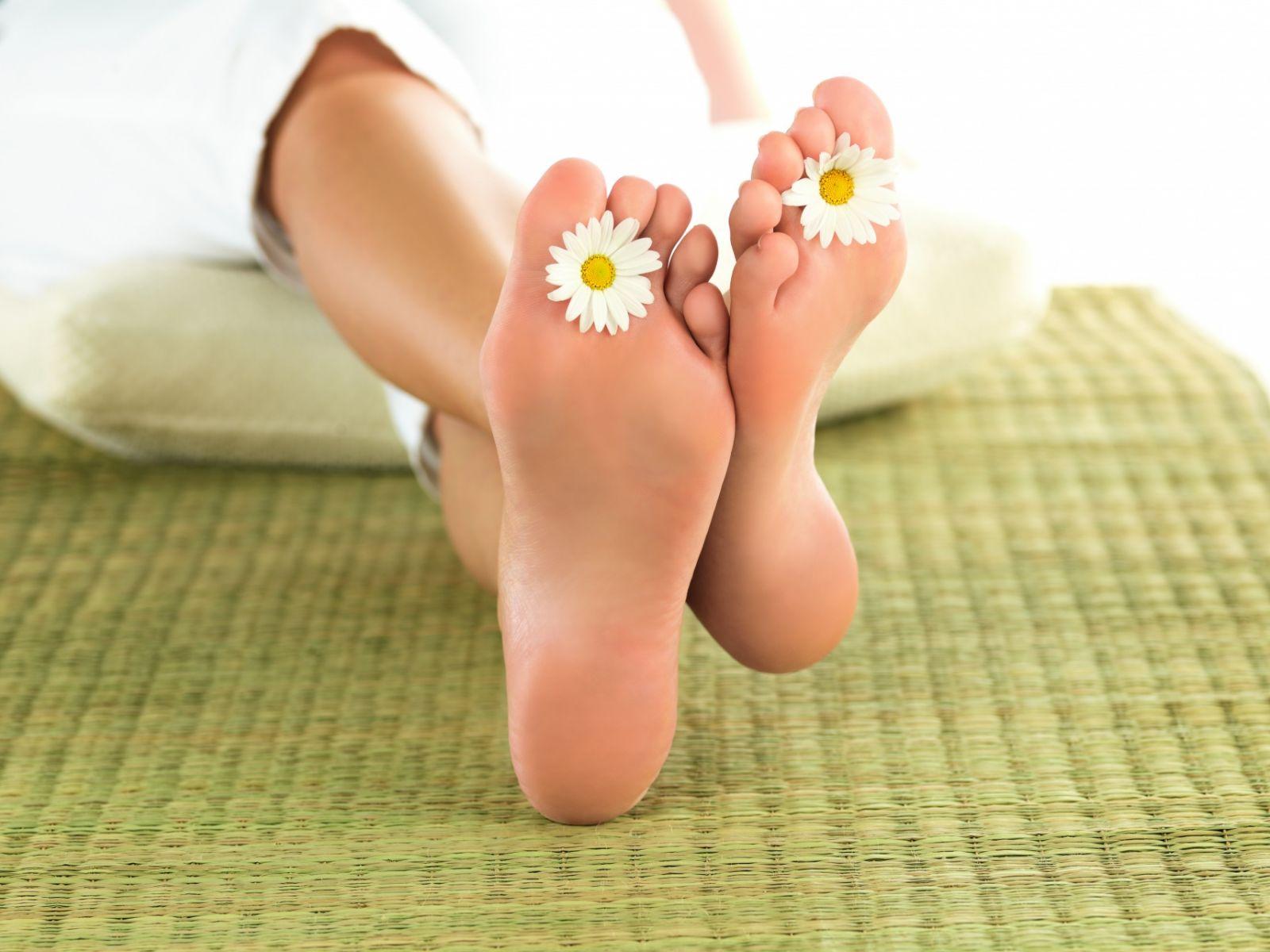 Как правильно ухаживать за ногами, стопами и ногтями