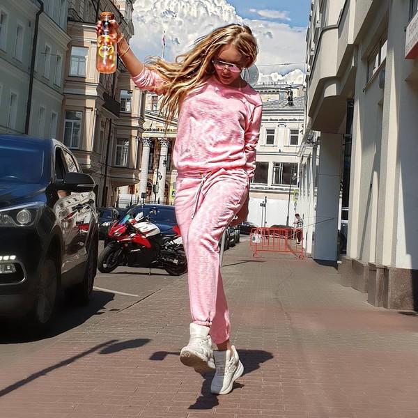 Самая известная блондинка Смоленска не вспоминает про родной город